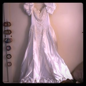 Wedding dress,vail cap & sleeves